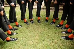 Perfect groomsmen gift - OSU orange socks // Leslie Herring Events // Atria Creative Photography #groomsmengifts #weddingday