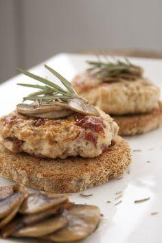 #Hamburger di #pollo e #Culatello ai #funghi: scopri le ricette con salumi e gli eventi food su paneprosciutto.it: veloci, facili e gustose!