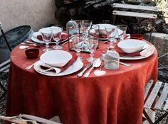 Table d ete nappe rouge
