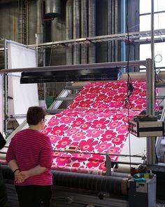Helsinki Ink - Marimekko textiles in print process Textile Patterns, Textile Design, Fabric Design, Pattern Design, Print Design, Print Patterns, Floral Patterns, Helsinki, Marimekko Fabric