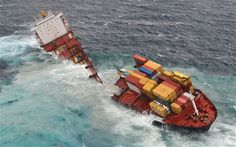 New Zealand shipping warning as container ship breaks up