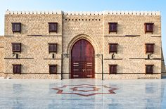 Shutterstock - By Jeddah Airport stands an old Ottoman fort, now restored into its former glory