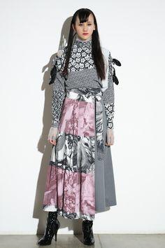 「もしギャッツビーが女性だったら」ミントデザインズが2シーズンぶりのショー   Fashionsnap.com