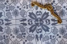 Cle - Delft Tiles - holly grey installation