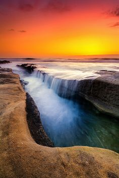 ✯ The Dragon's Belly - La Jolla, CA