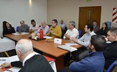 Winifreda y Mauricio Mayer presentes en reunión con intendentes por coparticipación