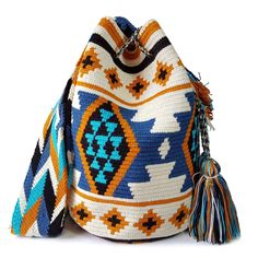 The stunning, one-of-a-kind, double thread Wayuu bag is handmade and has been carefully crochet Tapestry Bag, Tapestry Crochet, Crochet Yarn, Bag Pattern Free, Crochet Basket Pattern, Ethnic Bag, Small Bags, Purses And Bags, Handmade