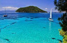 Beautiful Turquoise water in Skopelos island!