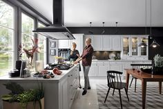 Black Red White - Senso Kitchens - Royal - Kasetta   #brw #blackredwhite #kitchen #kitcheninspiration #kitchendesign #inspiration #home #homedecor #cooking #trend #classic #white #furniture #family #familytime