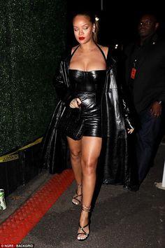 Rihanna wears skin-tight leather mini dress for Jay-Z gig Rihanna Show, Mode Rihanna, Rihanna Looks, Rihanna Riri, Rihanna Style, Rihanna Outfits, Sexy Outfits, Cute Outfits, Fashion Outfits
