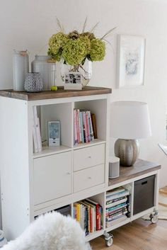 Ikea Kallax Hack, Ikea Kallax Regal, Ikea Hackers, Ikea Bookshelf Hack, Kallax Shelving, Ikea Hack Chair, Ikea Sideboard Hack, Bookshelf Table, Bookshelf Ideas