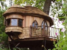 Now this would be cool to have as a house!:)