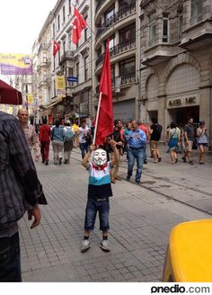 Heartwarming Images from the Turkish Resistance. - Imgur
