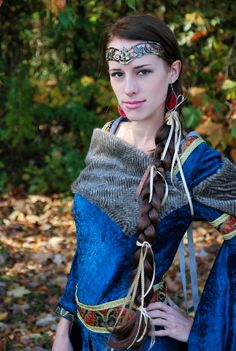 Medieval dress I crafted, no pattern :=)