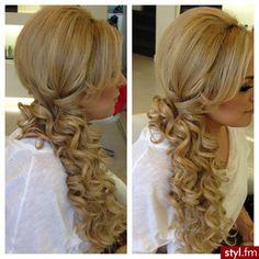 Fryzury wieczorowe włosy: Fryzury Długie Wieczorowe - Magdalena Dziak - 1812688