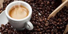 Il caffè come tintura naturale dei capelli