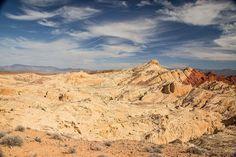 #desertbeauty #valleyoffirestatepark #valleyoffire #desertporn #teamcanon #canon5dmarkiii #5dmarkiii #naturephotography #canonphotography #5d #dramaticsky #clouds #cloudscape @valley.of.fire