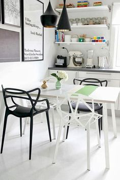 Futuristic Furniture – Masters Chair by Kartell Decor Interior Design, Interior Styling, Interior Decorating, Chaise Masters, Decoracion Low Cost, Futuristic Furniture, Deco Design, Home Living, Home Staging