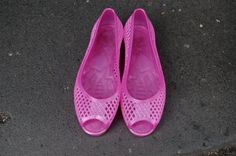 90s Cute Pink Shoes. $21.00, via Etsy.