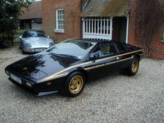 "The Lotus Esprit limited edition ""John Player Special"" was made in 1978 to celebrate the victory in the World Championship. Around 100 JPS were made for the UK market, all numbered and with Colin Chapman signature on the dashboard Lotus Auto, Lotus Car, Ferrari, Lotus Esprit, Car Man Cave, Ipad, Porsche 928, Bmw E30, Sexy Cars"