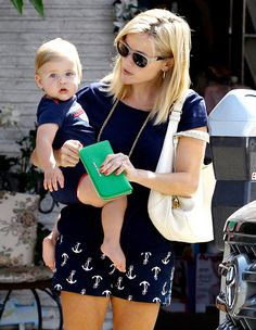 Reese Witherspoon's son Tennessee is starting to look just like her!