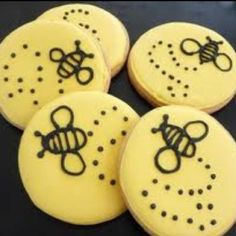 Bee cookie - how cute are these?! Cute for little C's birthday.