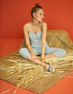 Striped button-up tank jumpsuit - null Trends, Straw Bag, Photoshoot, Vintage, Saudi Arabia, Dresses, Jumpsuit, Style, France