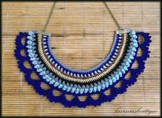 Blue Bib Necklace Fiber Statement Necklace di laviniasboutique