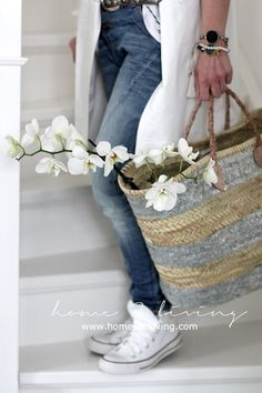 summer style : Straw Handbags and Purses Bloom Fashion, Daily Fashion, Mode Style, Style Me, Color Type, Denim Fashion, Womens Fashion, Style Fashion, Straw Handbags