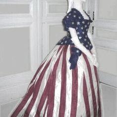 Stars and Stripes Reception Dress 1870s Fashion, Victorian Fashion, Vintage Fashion, Victorian Fancy Dress, Victorian Dresses, Vintage Dresses, Vintage Outfits, Vintage Clothing, Drag Clothing