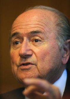 Joseph Blatter afirmou ter ficado 'entre anjos e demônios' durante sua internação em hospital da Suíça (foto: EPA)