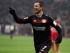Chicharito permite el triunfo 3-1 de Bayer Leverkusen en Augsburgo