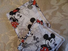 Mickey and Minnie Mouse Old Fashioned Comic Print Fabric Mug Rug Drink Coasters