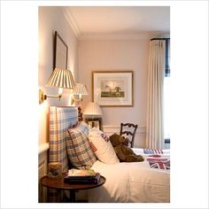 @Ashley Porter -- We could easily do a headboard like this with cool fabric and make pillow cases!! :)