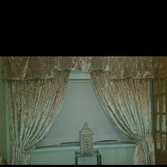 Crushed velvet Crushed Velvet, Crushes, Curtains, Handmade, Instagram, Home Decor, Blinds, Hand Made, Decoration Home