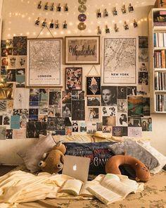 Retro Room, Vintage Room, Bedroom Vintage, Retro Vintage, Vintage Yellow, Room Ideas Bedroom, Diy Bedroom Decor, Bedroom Inspo, Nerd Bedroom