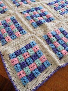 Masterpieces of blankets for children Crochet Quilt Pattern, Baby Afghan Crochet, Crochet Blocks, Granny Square Crochet Pattern, Crochet Stitches Patterns, Crochet Motif, Crochet Designs, Knit Crochet, Crochet Home