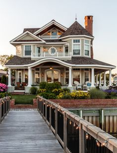 Trendy house exterior design dream homes bedrooms Ideas Dream Home Design, My Dream Home, One Home, Dream Big, Dream House Exterior, House Ideas Exterior, Home Exteriors, Home Styles Exterior, Cute House