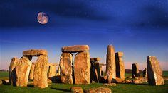 Summer Solstice and Strawberry Moon at Stonehenge, first time this has coincided since 1967 - June 20, 2016 wallpaper 1280x720