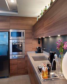 Cozinha funcional compacta e aconchegante ✨✨✨ ARCHITECTURE | INTERIORS | KITCHEN
