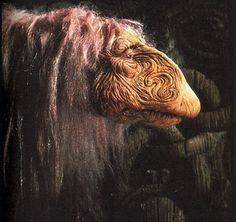 Mystic from The Dark Crystal. Dark Crystal Movie, The Dark Crystal, Fantasy Films, Sci Fi Fantasy, Crystal Drawing, Brian Froud, The Last Unicorn, Jim Henson, Creature Design