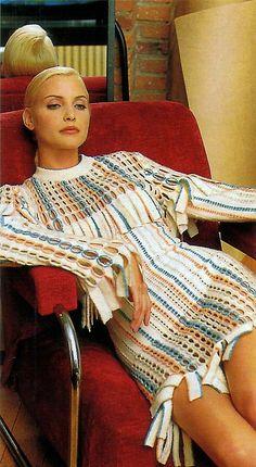 1993 - Nadja Auerman in Alaia by Bensimon 4 Elle