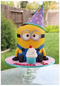 A Minion for Maggie! Torta Minion, Bolo Minion, Minion Cakes, Fondant Minions, Toddler Birthday Cakes, 2nd Birthday Parties, 4th Birthday, Minion Party Theme, Minion Birthday