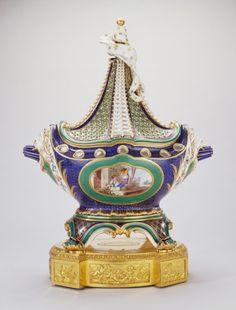 Pot-pourri vase and cover (pot-pourri à vaisseau or pot-pourri en navire) | Royal Collection Trust