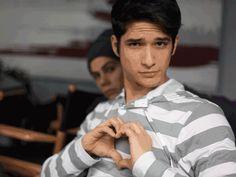 Teen Wolf photo bomb tehe Dylan
