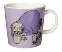 Purple Moomin Mug - Hemulen This item is sold out and no longer available. The iittala Arabia purple Hemulen Moomin mug has Hemulen collecting and inspecting insects and creatures and keeping the. I Love Coffee, My Coffee, Les Moomins, Branded Mugs, Moomin Mugs, Classic Dinnerware, My Own Private Idaho, Moomin Valley, Tove Jansson