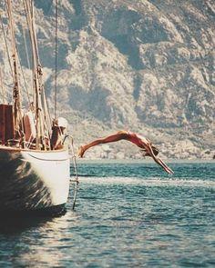 Yacht Boutique Making perfect Holidays Luxury Crewed Yacht Charter Summer Feeling, Summer Vibes, Summer Beach, Hawaii Beach, Oahu Hawaii, Foto Casual, European Summer, Vintage Italy, Summer Aesthetic