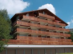Marigny - Apartment - CRANS-MONTANA - Switzerland - 983 CHF 3-room apartment 80 m2 on 4th floor. Comfortable furnishings: large living room with cable TV and flat screen. 1 room with 1 french bed (160 cm). 1 room with sloping ceilings with 2 beds (90 cm). Open