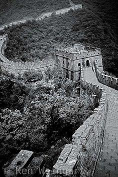 The Great Wall. #China #greatwallofchina #blackandwhite #travel #Asia #photography #worldwonders #LA #KenWeingart
