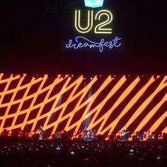 """""""1, 2, 3, 14!"""" #U2 #Dreamfest  Vía @Joy_SH"""